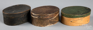 Three New England painted bentwood band boxes