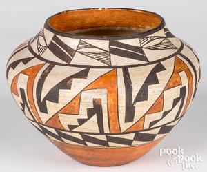 Acoma Indian polychrome pottery olla