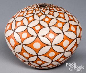 Rose Chino Garcia Acoma Indian pottery seed pot
