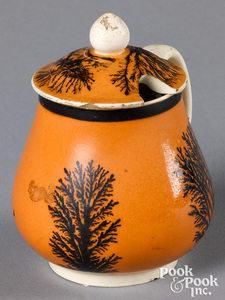 Mocha mustard pot, with seaweed decoration