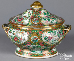 Chinese export porcelain rose medallion tureen