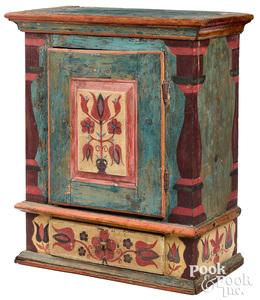 Painted pine hanging cupboard, 18th/19th c., retai