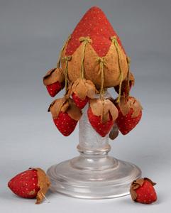 Strawberry make-do pin cushion, 19th c.