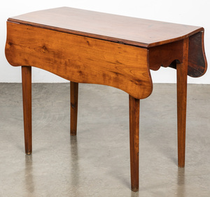 New England Federal cherry Pembroke table