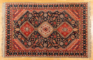 Chinese carpet in the Shiraz style, 9'4